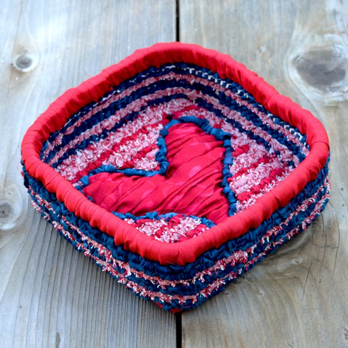 gocolorcrazy-locker-hooked-heart-basket-top-on-wood-3-6x6
