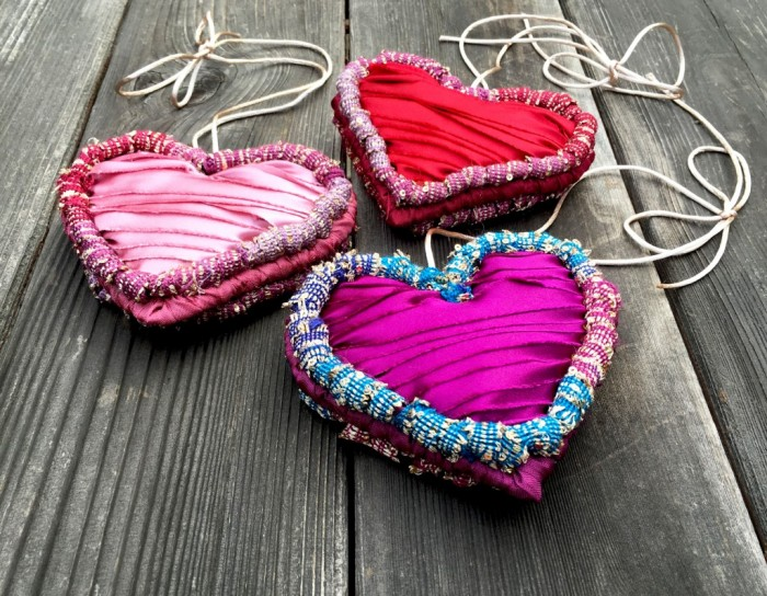 locker-hooking-kits-Hearts-trio-topv-9x7