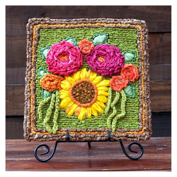 Summer Bouquet Locker Hooking Kit